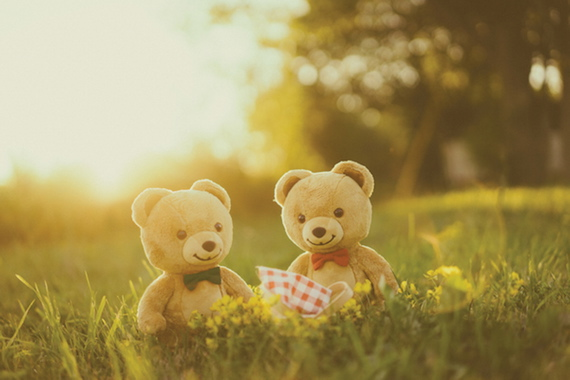 The Stick Together campaign from Kraft shows the bears enjoying a picnic.