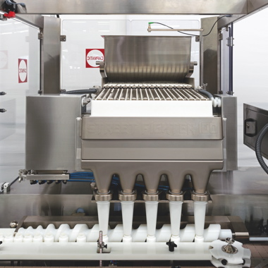 Manufactured by the renowned Montreal-based packaging machine-builder Capmatic, the Street Fighter model SF-100 electronic counting system boasts the latest available technologies to ensure optimal accuracy and quality control.