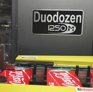 Manufactured by WestRock, the fully-automatic model Duodozen 125M cartoner is a high-speed multipacking system used by the Weston plant to package both 12- and 18-pack cases of canned product at line speeds of up to 1,600 cans per minute.