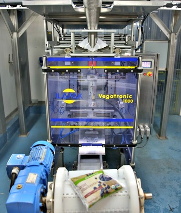 The Vegatronic 1000 model VFFS intermittent bagger is ideal for packaging loose products, including frozen produce such as wild blueberries, in plastic bags.