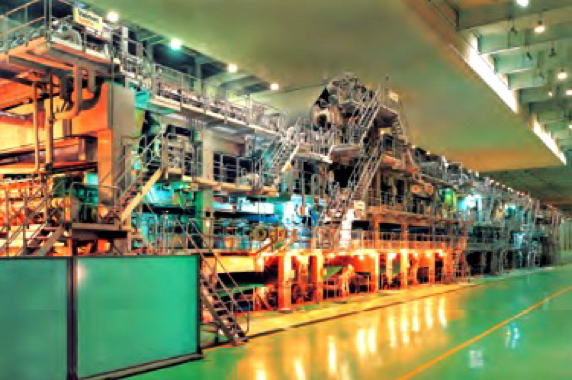 The Metsa-built papermaking machine in Ningbo features five screens for adding up to five different types of fiber layers and two coating heads for adding different finishing surface layers, for enhanced printing performance.