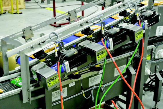 Servo motors communicate via Rockwell Automation technology.