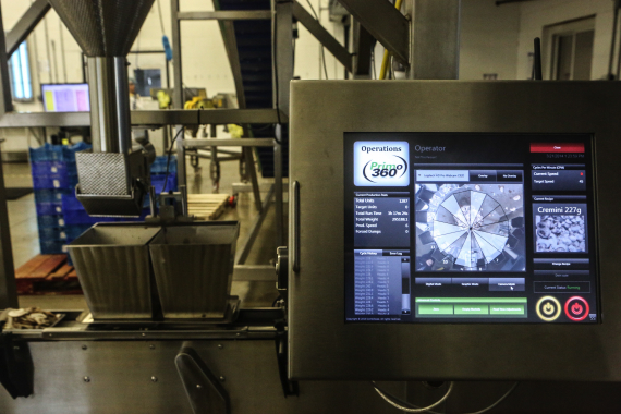The easy-to-use Primo 360 interface designed by WeighPack Systems allows plant workers to program and store a plethora of package weights and product recipes.