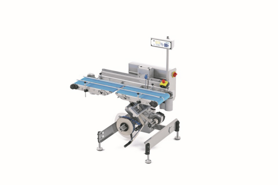 The L 300 conveyor belt labeler for the labeling of a wide range of pack shapes.