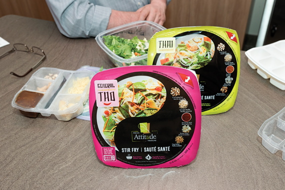 Retailing in four different flavor varieties in fresh produce sections of major grocery outlets across Quebec and Ontario, the Asian Stir Fry kits boast colorful branding graphics designed by the Effet Boomerang marketing agency.